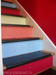 stair-riser-and-steps-decorating-stripes